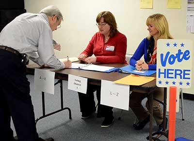 Simulated Poll Worker training at Sussex County Board of Elections